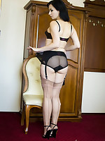 Wanilianna - Fetish Lady With A Love For Nylons